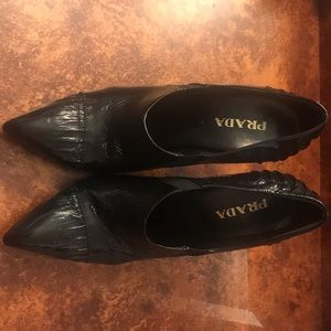 Lightly worn Prada heels!